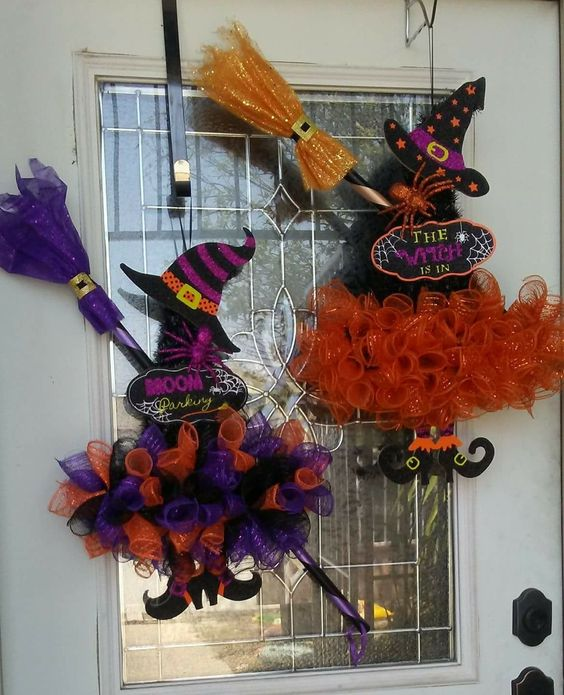 How to Make a Witches Hat Wreath